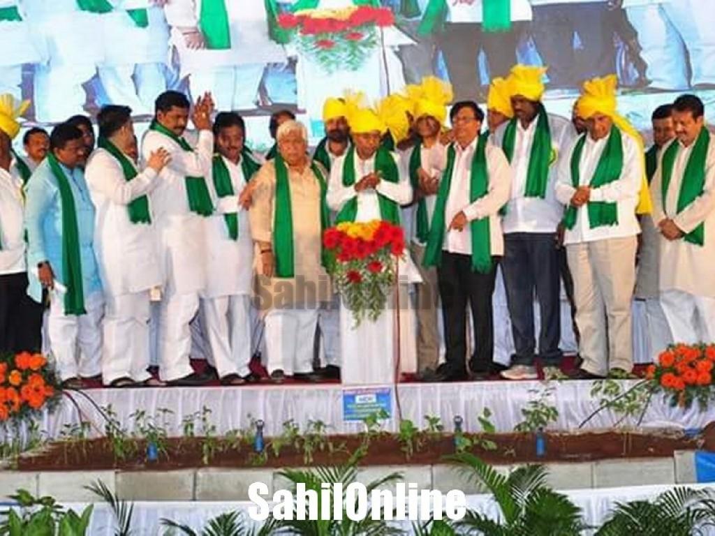 Karnataka Chief Minister Siddaramaiah inaugurated a convention of beneficiaries of Krishi Bhagya scheme in Koppal
