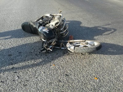 2 youth injured as bike skids in Yellapur