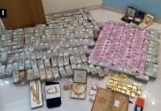 کرناٹک:حوالہ کاروباری کے باتھ روم میں بنی خفیہ تجوری سے 5.7کروڑ کے نئے نوٹ اور 32کلو سونا برآمد