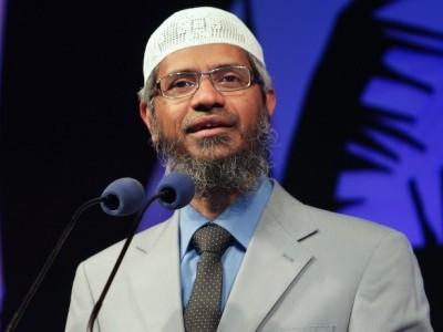 Zakir Naik thanks Malaysian PM for not deporting him
