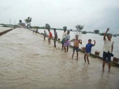 Heavy rain swells Varada River in Banavasi