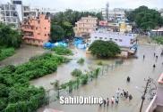 بنگلور میں موسلادھار بارش ؛نشیبی علاقے جل تھل ہوگئے،عوام رات چھتوں پر بسر کرنے پر مجبور