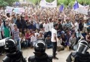 بیندور کے قریب اُپندا میں بس سے گرکر طالب العلم ہلاک؛ ڈرائیور پر لاپرواہی کا الزام؛ طلبا کا سخت احتجاج