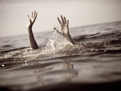 2 school children drown in Puttur; dies