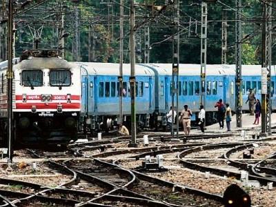 ریلوے کی حالت بدتر،کیگ کی رپورٹ میں حیرت انگیزانکشاف؛ ٹرینوں میں کاکروچ اور چوہے ملے
