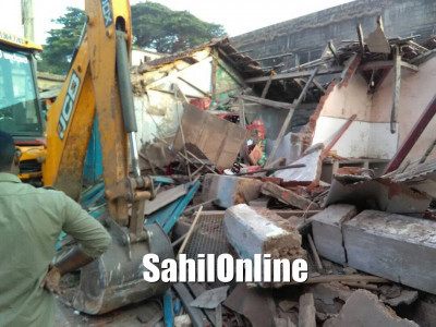 Demolition work of Karwar's old fish market begins