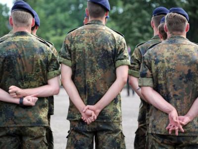فوجی کی بطور مہاجر پناہ کی درخواست کیسے منظور ہوئی؟
