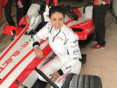 فارمولہ ریسنگ کار چلانے والی پہلی ہندوستانی خاتون بنی گل پناگ