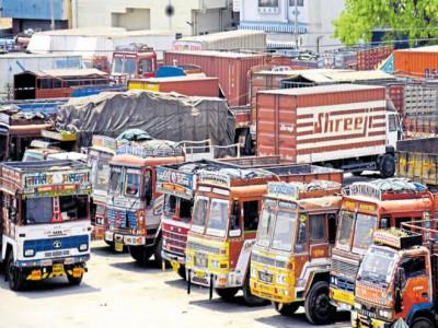 ملک گیر ٹرک ہڑتال کرناٹک میں مالکوں کے اختلافات کی نذر
