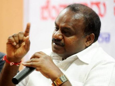 Sirsi: Kumaraswamy dubs CM 'mad' over Wadiyar statement