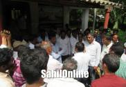 ಭಟ್ಕಳ: ನಾಡದೋಣಿ ಮೀನುಗಾರರಿಂದ ಮೀನುಗಾರಿಕೆ ಕಚೇರಿ ಮುತ್ತಿಗೆ