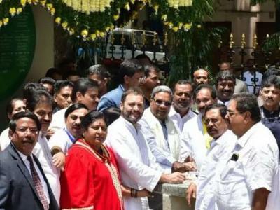 کانگریس کے شدید دباؤ پر اترپردیش اور مہاراشٹر کی حکومتوں نے کسانوں کے قرض معاف کرنے کا اعلان کیا:راہل گاندھی