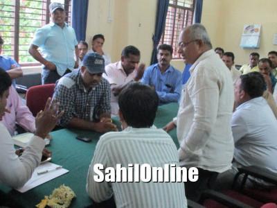 بھٹکل:چمیلی پھول کسانوں کے مسائل کو حل کرنے افسران کی توجہ :اے سی کی نگرانی میں میٹنگ