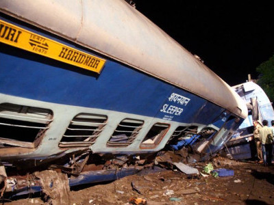 Kalinga Utkal Express derails in Muzaffarnagar: 23 killed more than 50 injured