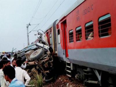 یوپی میں پھر ٹرین پٹریوں سے اتر گئی، 100مسافر زخمی، پانچ دن میں دوسرا حادثہ