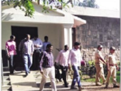 جوئیڈا:بنگلورو میں گرفتار روی بیلگیرے کے فارم ہاؤس پر سی سی بی پولس ٹیم کا چھاپہ