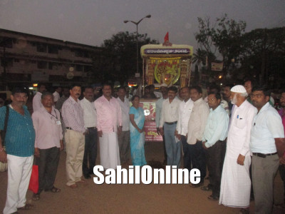 'Kadambotsava rath' welcomed at Shamshuddin Circle, Bhatkal