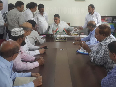 Delegation of Bhatkal Muslim educational institutions visit Bangalore and met with Education minister Tanveer Saith and MP K Rehman Khan demanding to continue Friday as weekly holiday for schools