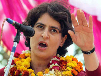 Priyanka rides boat to test political waters in UP