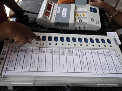 16 candidates file nominations for LS polls in Karnataka