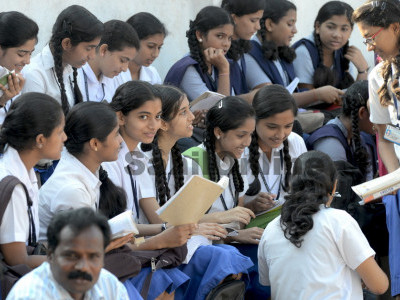 Karnataka: Girl students to get free education in colleges