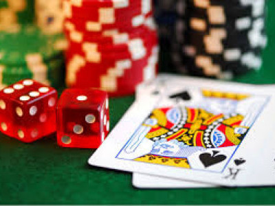 Raid on Gambling centre near Mangaluru: 9 held