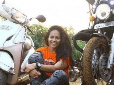 Mumbai biker dies as truck mows her down after motorcycle hits pothole