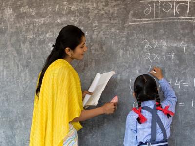 یوپی کے 1.72لاکھ شکچھامتروں کوراحت نہیں، سپریم کورٹ نے اسسٹنٹ ٹیچر ماننے سے انکار کیا