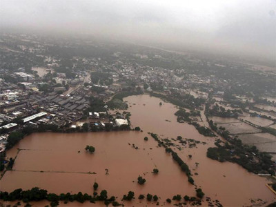 UAE-based Indian-origin tycoons pledge Rs 125 mn for flood-hit Kerala
