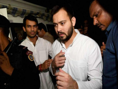 Truth can never be defeated: Tejashwi on developments in Karnataka