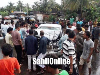Two seriously injured as speeding car hits tempo in Murdeshwar