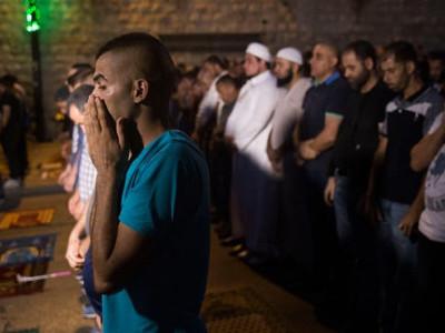 یروشلم: پچاس برس سے کم عمر کے افراد پر پابندی