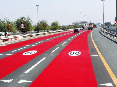 سڑک پر رفتار کی حدکے انتباہ کے لیے دبئی کا نیا تجربہ