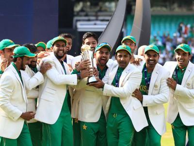 پاکستان نے چمپئنز ٹرافی خطاب جیت لیا ' فائنل میں ہندوستان کو 180رنوں سےشکست