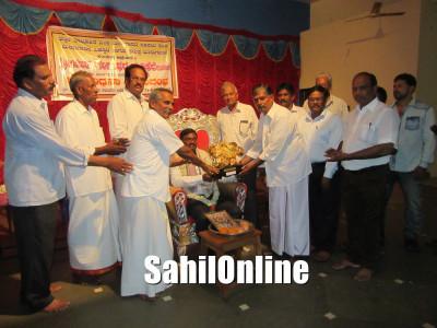 Joint Director of Fisheries Department Gangadhar Maddikere felicitated by Bhatkal Taluka Fishiries sangha at Shirali Alvekodi in Bhatkal