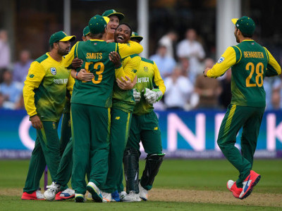 South Africa win thriller against England, tie up T20 series