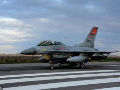 مصر کا لیبیا سے آنے والے 12گاڑیوں پر مشتمل قافلے پر فضائی حملہ;مصر کی مغربی سرحد کی جانب آنے والی گاڑیوں پر اسلحہ اور گولہ بارود لدا ہوا تھا