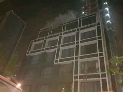 Two killed in fire at Kolkata hotel