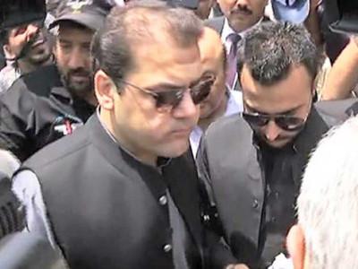 حسین نواز بھی والد کی طرح امپائروں کو ساتھ ملائے بغیر نہیں کھیل سکتے:عمران خان