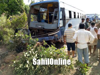 KSRTC bus hits telephone pole at Karwar; 4 seriously injured