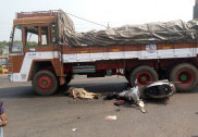 Lady constable crushed by a speeding truck on Murdeshwar NH-66; dies on spot