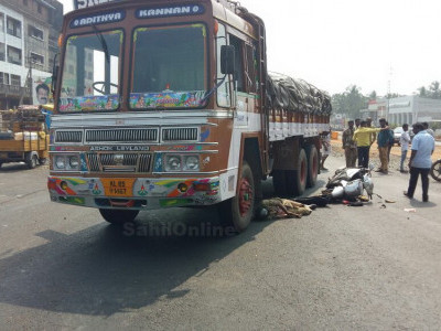 Road crashes claim 413 lives daily in India