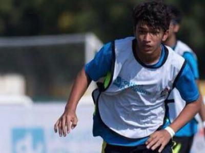 بھٹکل کا دِیاب کھروری دبئی کی سی بی ایس ای نیشنل فٹ بال ٹیم میں منتخب؛ نیشنل چمپن شپ میں حصہ لینے انڈیا روانہ