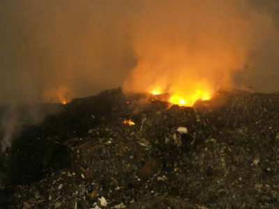 غازی پورلینڈ فیل میں لگی آگ پرسات گھنٹوں کے بعد قابو پالیا گیا
