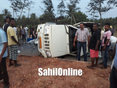 Fish laden vehilce collides with motorcycle in Kundapur