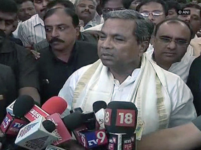 Siddaramaiah urges exemption of GST on handmade products