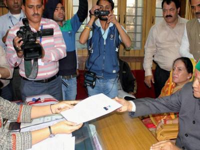 ہماچل پردیش انتخاب: سی ایم ویر بھدر سنگھ نے ارکی سیٹ سے پرچہ نامزدگی داخل کیا