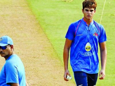 ارجن تیندولکر نے نیٹ پر ہندوستانی بلے بازوں کو گیندبازی کی