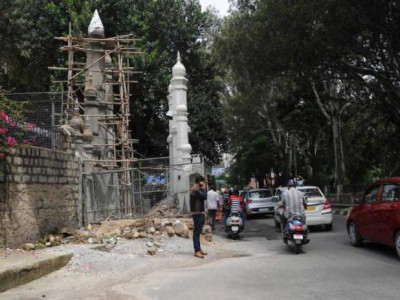 Shias allow BBMP to demolish mosque wall to widen road