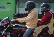 کرناٹکا کی ریاستی حکومت کا ٹو وہیلر بائیک پر ڈبل سواری کو روک لگانے کا فیصلہ؛ کیا یہ فیصلہ عوام کی پریشانیوں میں مزید اضافہ کا سبب بنے گا ؟